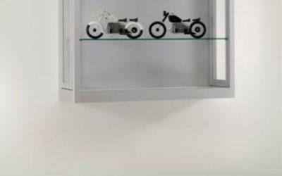 Wand-Vitrine V8 1000 – W – Tech / silber eloxiert